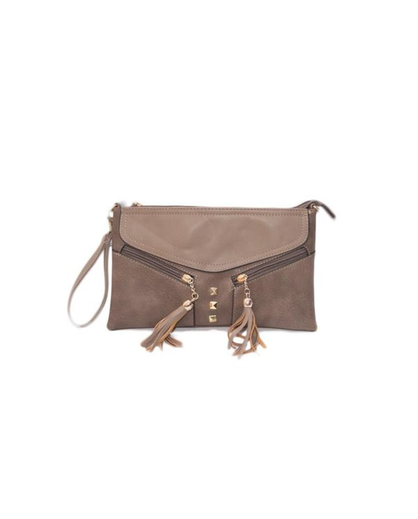Bolso marrón con flecos tamaño normal, fabricado en polipiel