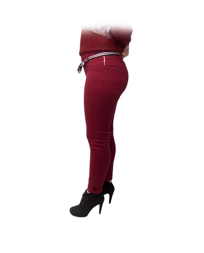 pantalón rojo cinta roja blanca frente